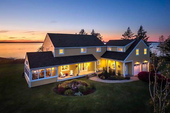 Casa familiar con vista al mar