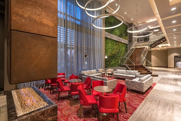 Sala de Lobby del Hilton Garden Inn