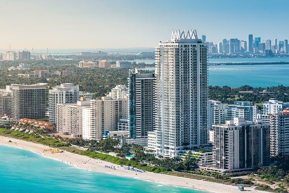 Akoya Condo in Miami