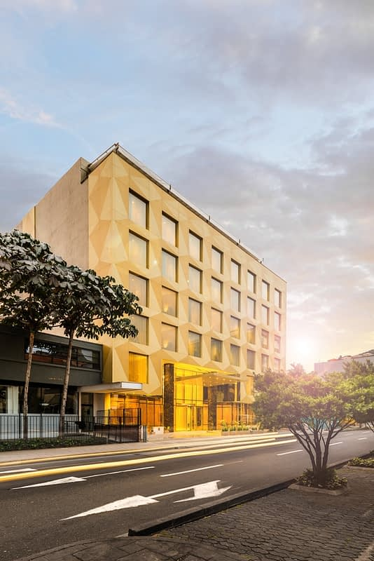 Fachada del Hotel El Dorado Capital Bogotá